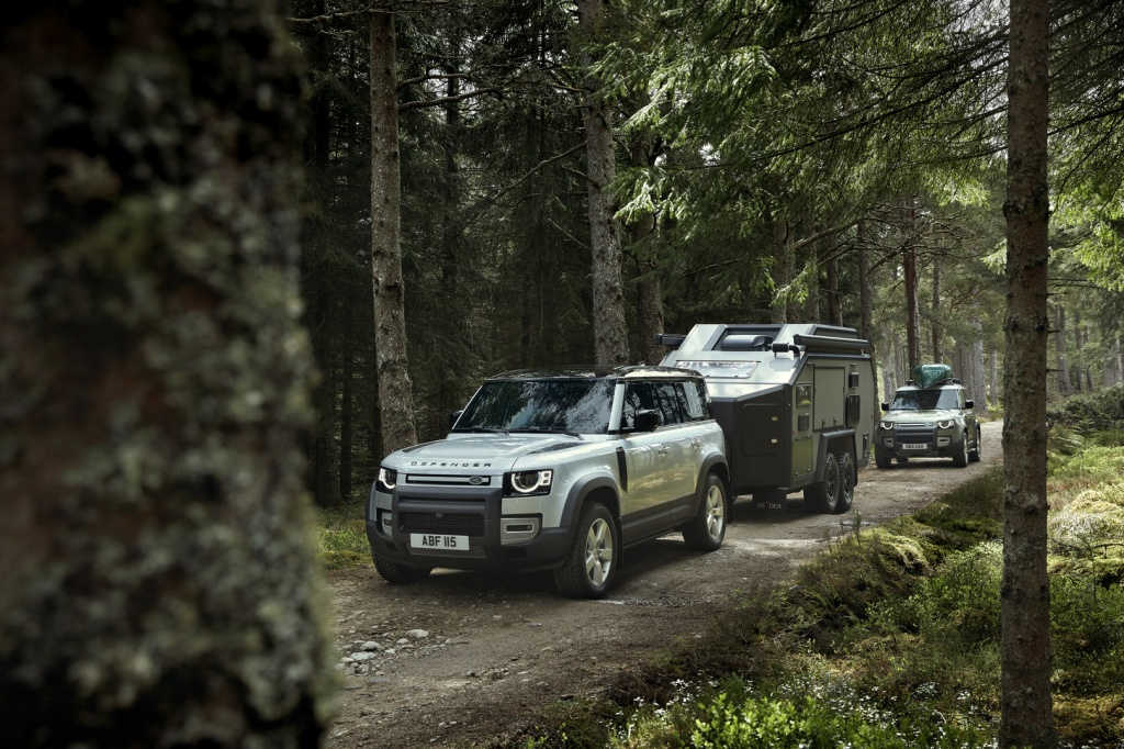 2020-Land-Rover-Defender-Towing.jpg